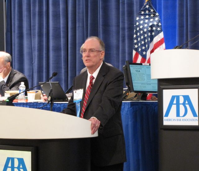 President Thies delivers his remarks in support of Resolution 10A before the ABA's House of Delegates.