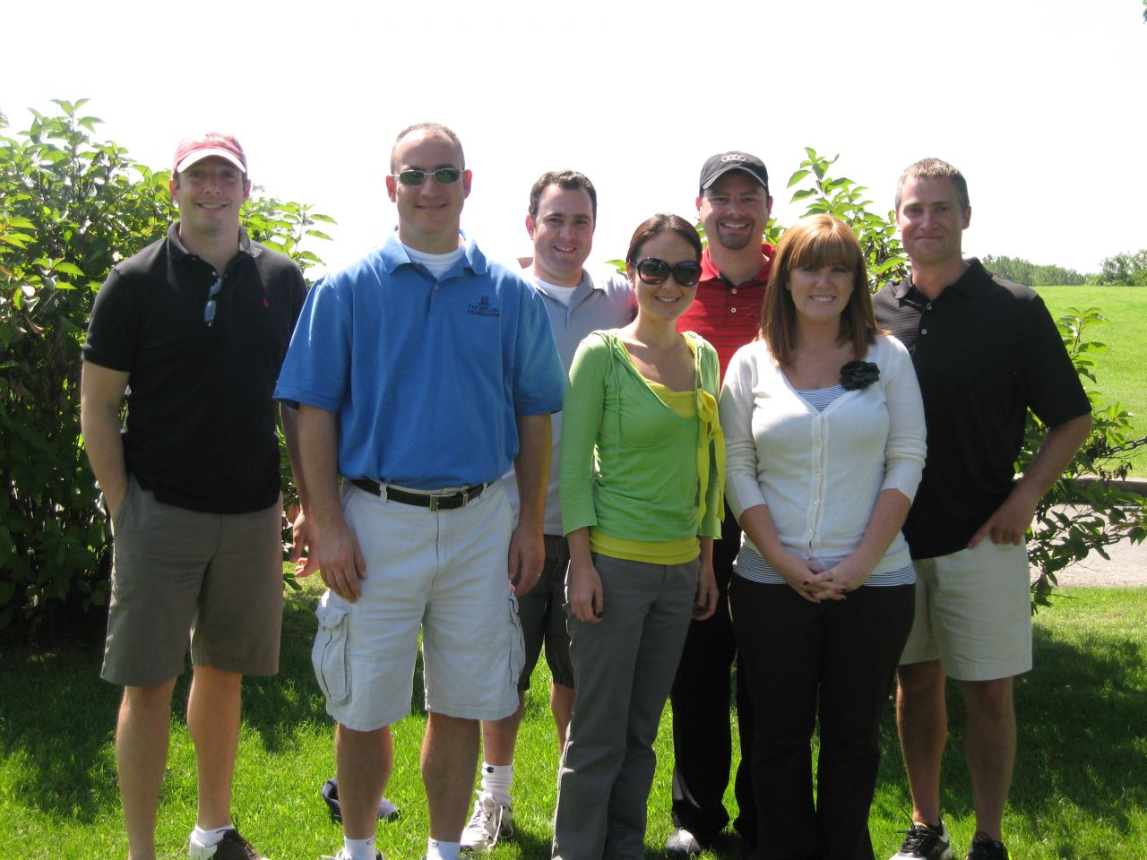 Particpants in the 2009 YLD Golf Outing