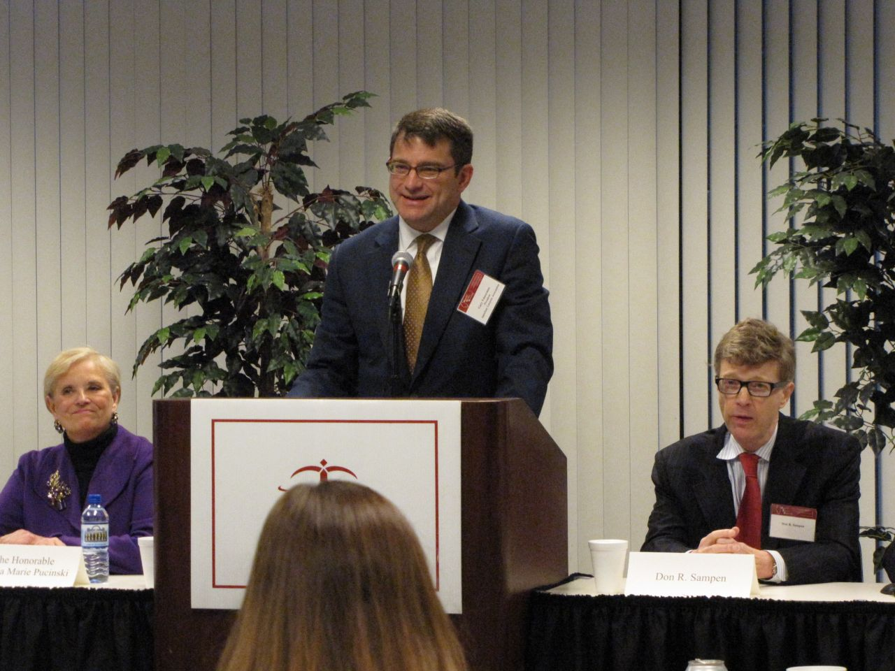 Appellate Lawyers Association President Gary Feinerman introduces the candidates.