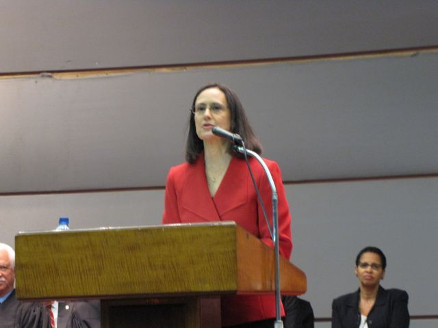 Illinois Attorney General Lisa Madigan delivered remarks praising retiring Chief Justice Thomas Fitzgerald.