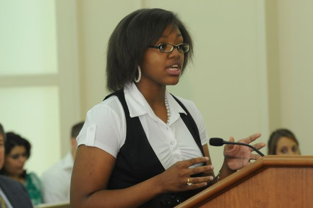 Nia Gipson maker her argument during the Moot Court
