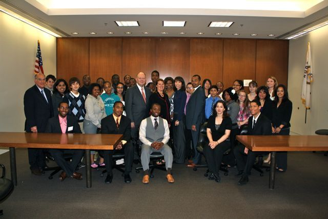 Students and teachers from the ISBA Law and Leadership Institute visited the Daley Center on June 24. They met with Judges Matt Delort, Debra Walker, Laua Liu and Franklin Valderrama.