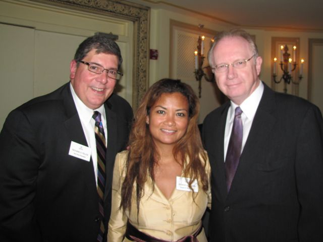 ISBA 3rd Vice President Rick D. Felice, ISBA Board member Jessica Arong O'Brien and Illinois Supreme Court Chief Justice Thomas Kilbride