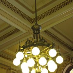 A chandelier in Courtroom 100.