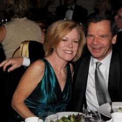 2009 Gala honoree, Senator John Cullerton and his wife Pam enjoy the evening